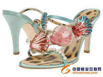 今年夏天流行的鞋子 一