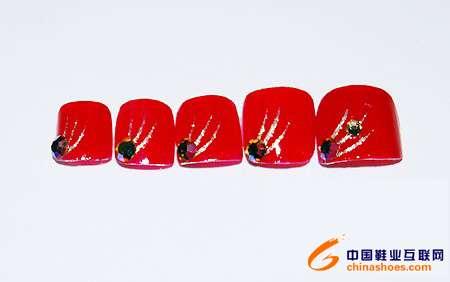 指甲油与鞋子搭配的