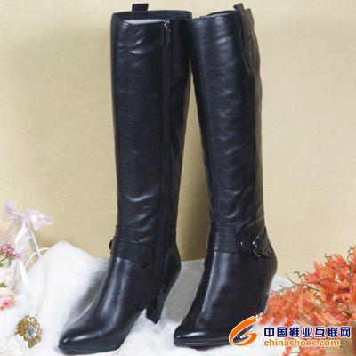 百丽 气质 展现 完美/百丽女靴展现完美气质