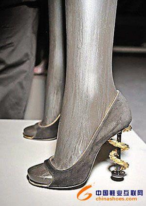 2009春夏高跟鞋鞋跟的创意设计